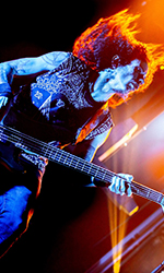 Aires Pereira from Moonspell plays Vigier!